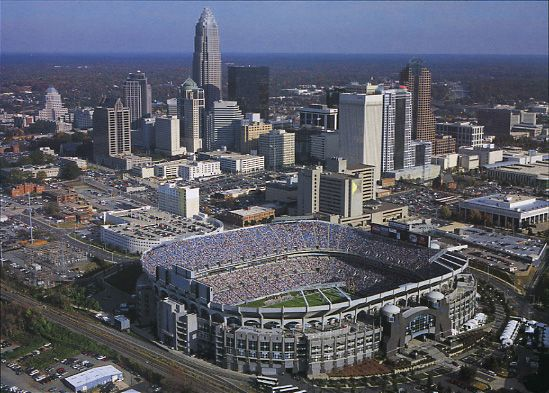 Google Image Result for http://football.ballparks.com/NFL/CarolinaPanthers/aerial.jpg