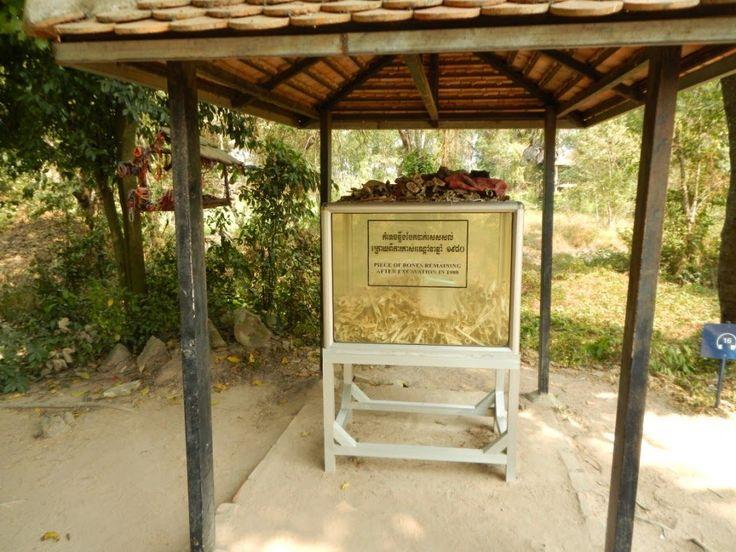 Nostalgiczny spacer po polach śmierci w Phnom Penh. Lekcja historii, fakty dotyczące ludobójstwa w Kambodży, opis sytuacji kraju