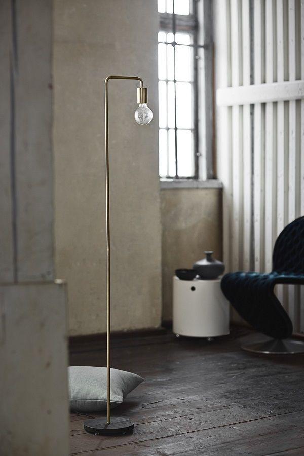 Lampadarul Cool Antique Brass Matt completeaza cu ușurință orice spatiu modern, aducand stralucirea stilului industrial la tine acasa! #inspiring #comfort #home #light #design #SomProduct #industrial #look