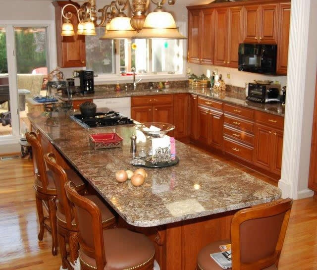 Kitchens Countertops: Extended Top On Island For Additional Seating:). Great