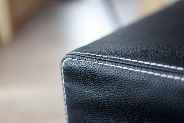 Nasz  BIZON :) więcej kolorów http://www.lech-tkaniny.pl/oferta/tkaniny-meblowe/bizon/  #tkanina #modern #fabrics #lech_moder_fabrics #bizon   O tkaninie - Poliuretanowa tkanina z podbitką ze skóry naturalnej. Z sukcesem zastąpi obicie z prawdziwej skóry. Połączenie idealne – zarówno ekologiczne, jak i ekonomiczne. Tkanina charakteryzuje się bardzo wysoką odpornością na ścieranie.