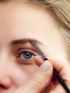 Augenbrauen auffüllen