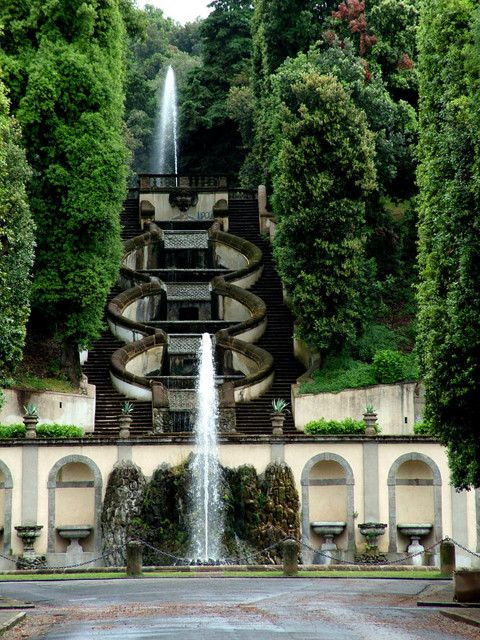 Villa Torlonia, Frascati by Flaminio Ponzio for Scipione Borghese, who commissioned Villa Borghese in Rome. The gardens were realized by Flaminio Ponzio and Carlo Maderno. The Villa was then bought by the Torlonia family. Now it is a public park. The house was destroyed during the war