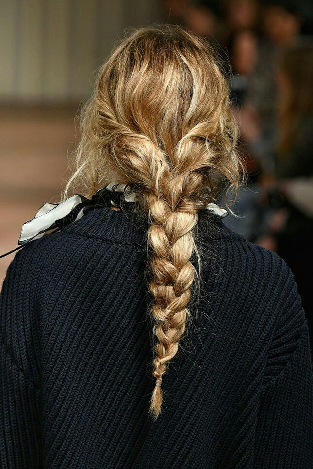 A messy long braid. A messy long .- A messy long braid. A messy long braid. A messy long braid. A messy long braid. Messy Braids, Long Braids, French Braid Ponytail, Curly Hair Braids, Crown Braids, Hair Twists, Hair Updo, Box Braids Hairstyles, Pretty Hairstyles