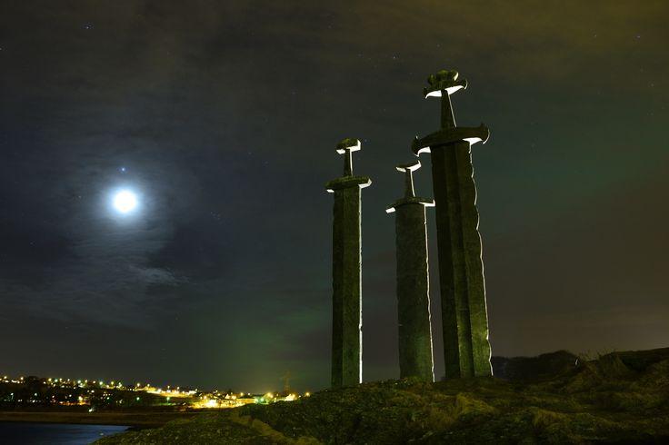 Aldebarán, Júpiter y la Luna desde Stavanger, Noruega