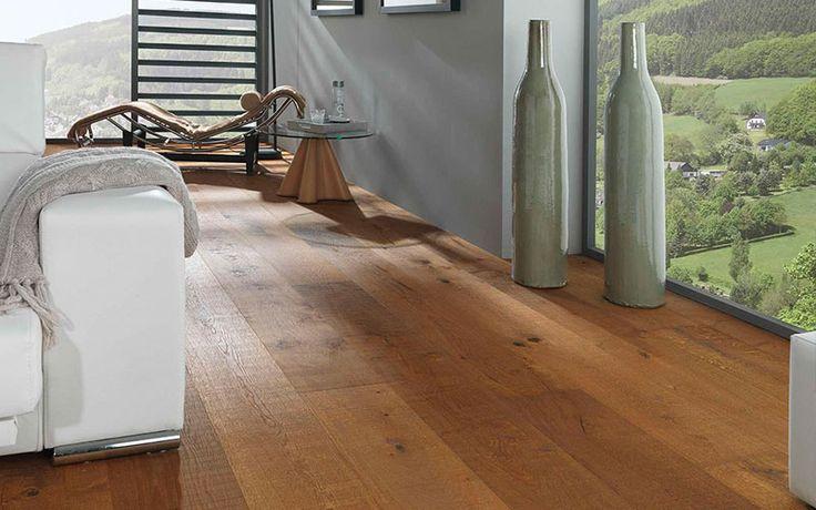 ¿Buscas un ambiente cálido y acogedor? Entonces la tarima flotante de color roble será la mejor opción para tu hogar.