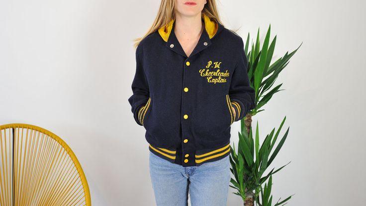 les 25 meilleures id es concernant vestes jaunes sur pinterest gu pe jaune r pulsif gu pe et. Black Bedroom Furniture Sets. Home Design Ideas