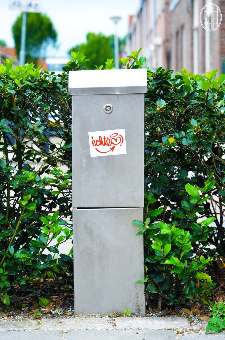 """The sign on this electric box is from a local clothing label named """"Echte Liefde"""" (Real love) - Tilburg"""