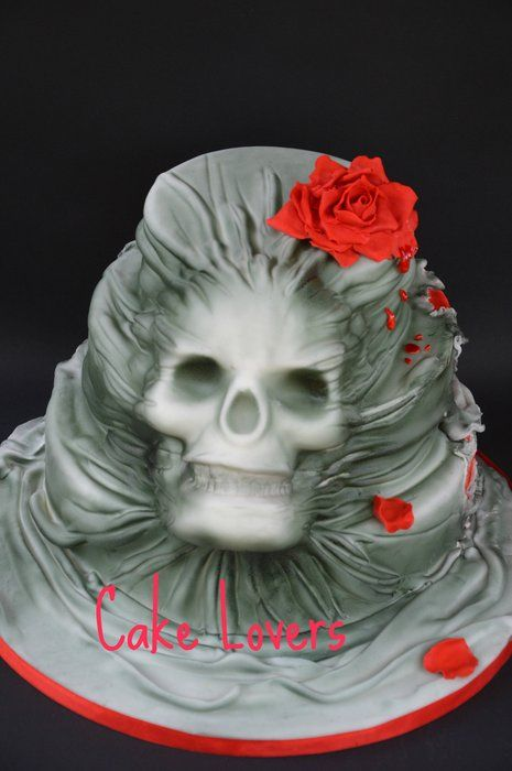 #skull in the cake - by lucia and santina alfano @ CakesDecor.com - cake decorating website