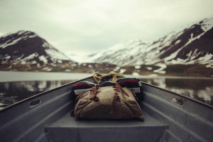 """""""Disconnect"""" to seria fotografii zainicjowana przez Fotolię - bank zdjęć należący do Adobe. W każdym miesiącu inny wybitny fotograf zabiera nas w podróż do odległego zakątka świata.   Islandia to trzecia część tego projektu. Na zwiedzanie wyspy zaprasza Théo Gosselin, dołącz"""