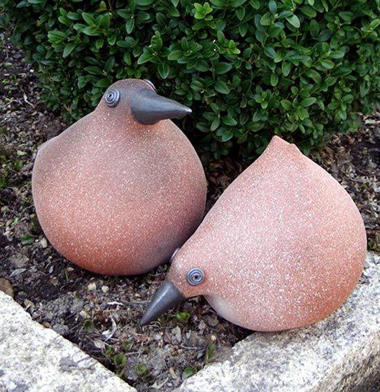 Vögel aus Ton für den Garten von Margit Hohenberger                                                                                                                                                     Mehr
