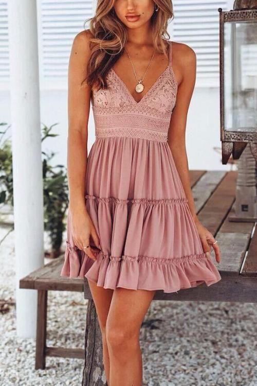 Roze en ruches korte jurk met ruches en sexy V-hals #courte #encol …