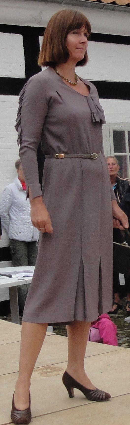 Modeopvisning på Bratskov. Kjole fra 1940´erne.