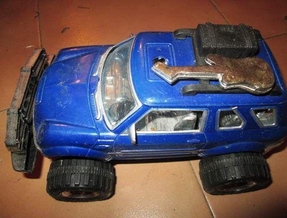 Carro De Juguete Azul Para El Dia Del Nino En Carabobo Venezuela
