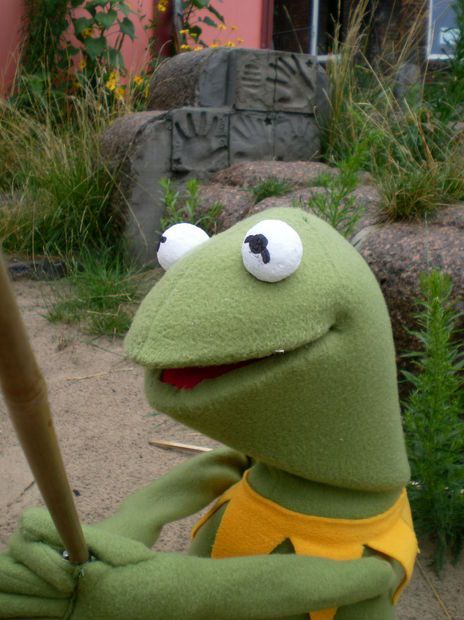 I want my very own Kermit puppet. <3