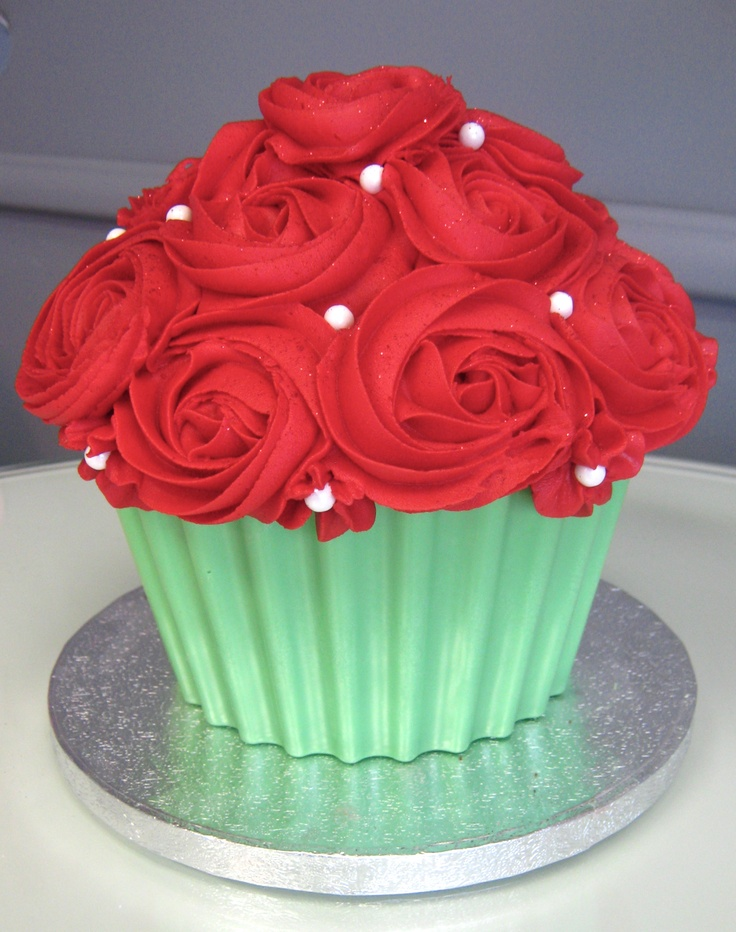 A Rose Bouquet Giant Cupcake For Valentine S Day Or Any