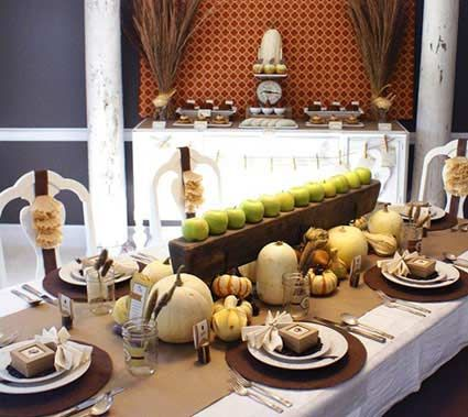 Thanksgiving dinner table decorations dinner party ideas for Dinner table decoration ideas