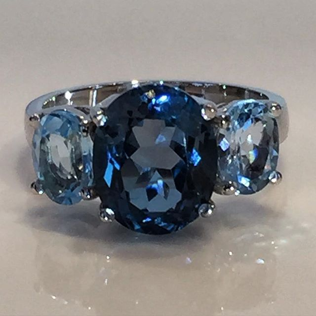 Summer days require summer hues... This white gold, London Blue and Swiss Blue Topaz ring is the perfect accessory for a beautiful summer day... #topaz #londonbluetopaz #bluetopaz #whitegold #esola #jewellery #design #artdeco #jewels #blue #summer #perthstyle #perthfashion #summerstyle #perthtodo #hues #welikeperth #cottesloevillage #cottesloe #saturday #ootd #potd #lotd #picoftheday