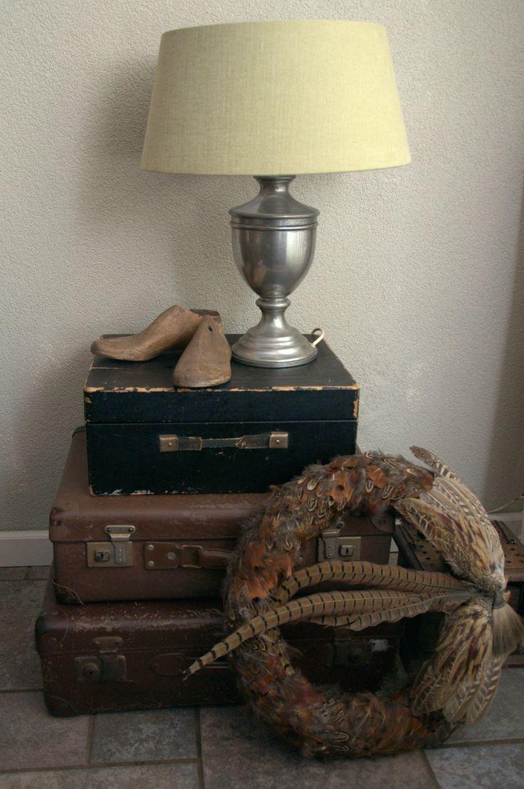 Meer dan 1000 idee n over oude koffers op pinterest koffers vintage koffers en koffer tafel - Oude huisdecoratie ...