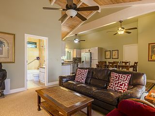 Air Conditioned Bungalow 2 Master Suites With Jacuzzi Tubs Steps To Poipu Beach