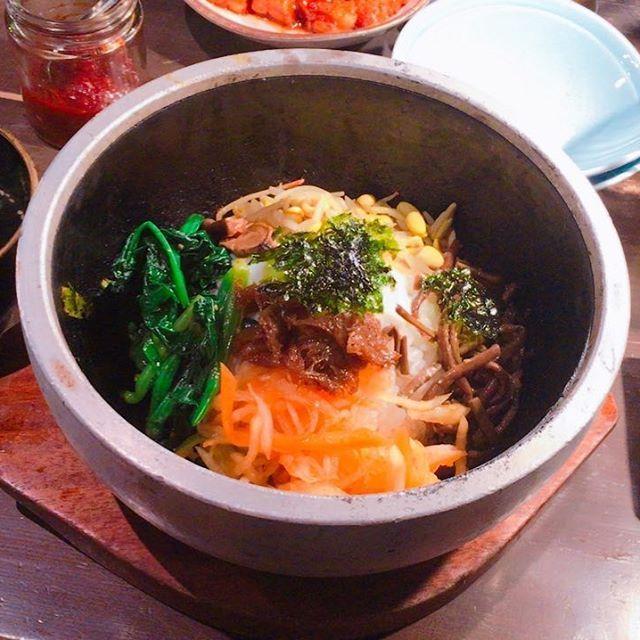 ・ ・ ・ 焼肉にきたらやっぱり食べるのが #石焼ビビンバ !! おこげが最高✨ ・ ・ #焼肉 #肉 #深夜の飯テロ #飯テロ #おこげ #美味い #美味しい #ナムル #ご飯 #京都