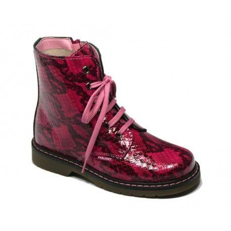 Botas Pablosky con animal print. Cómpralas al mejor precio en http://www.calzadoseuropa.es/botas-y-botines/424078-bota-tipo-martens-en-reptil-fucsia-de-pablosky-52149.html