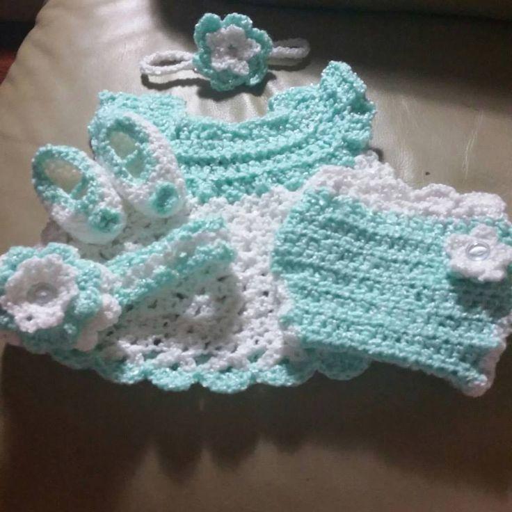 Girl Sleeper Set - Free Crochet Patterm