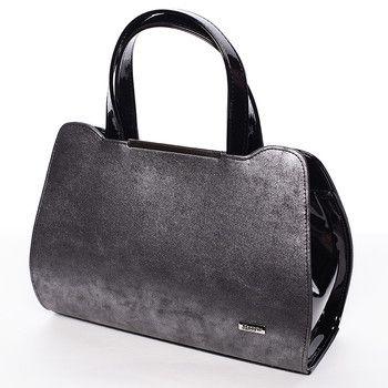 #Maggio #kabelka Nabízíme vám luxusní kabelku do ruky Maggio z kolekce 2016 v černo grafitové barvě. Kabelka je pololakovaná. Uvnitř jsou dvě kapsy rozdělené zipem a menší kapsa bez zipu. Kabelka je pevná,drží tvar. Součástí je nastavitelný popruh.