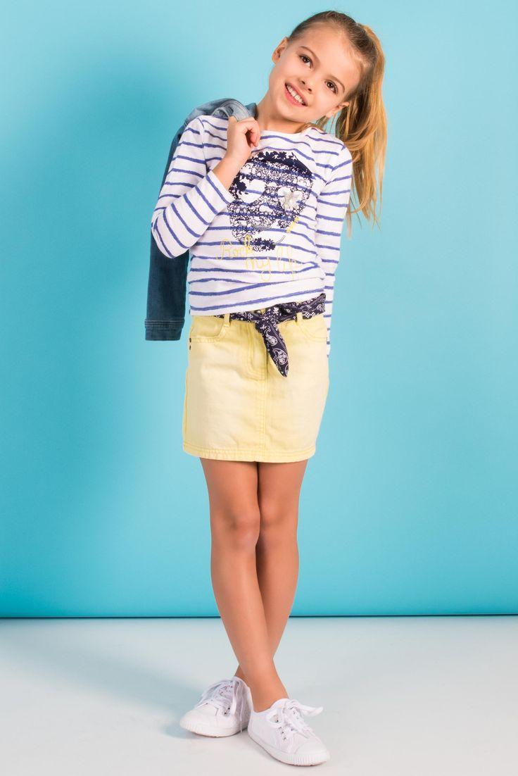 look fille printemps t 2015 marini re imprim e jupe jaune tennis blanches mode pour les. Black Bedroom Furniture Sets. Home Design Ideas