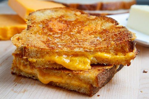 The only thing better than a grilled cheese sandwich a cheese crusted grilled cheese sandwich. OH MY!