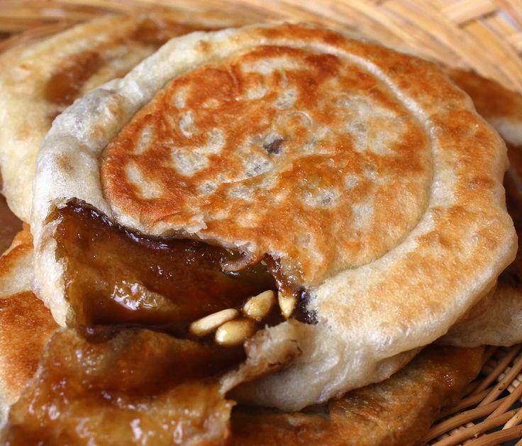 Hotteok (호떡) –  A panqueca doce coreana