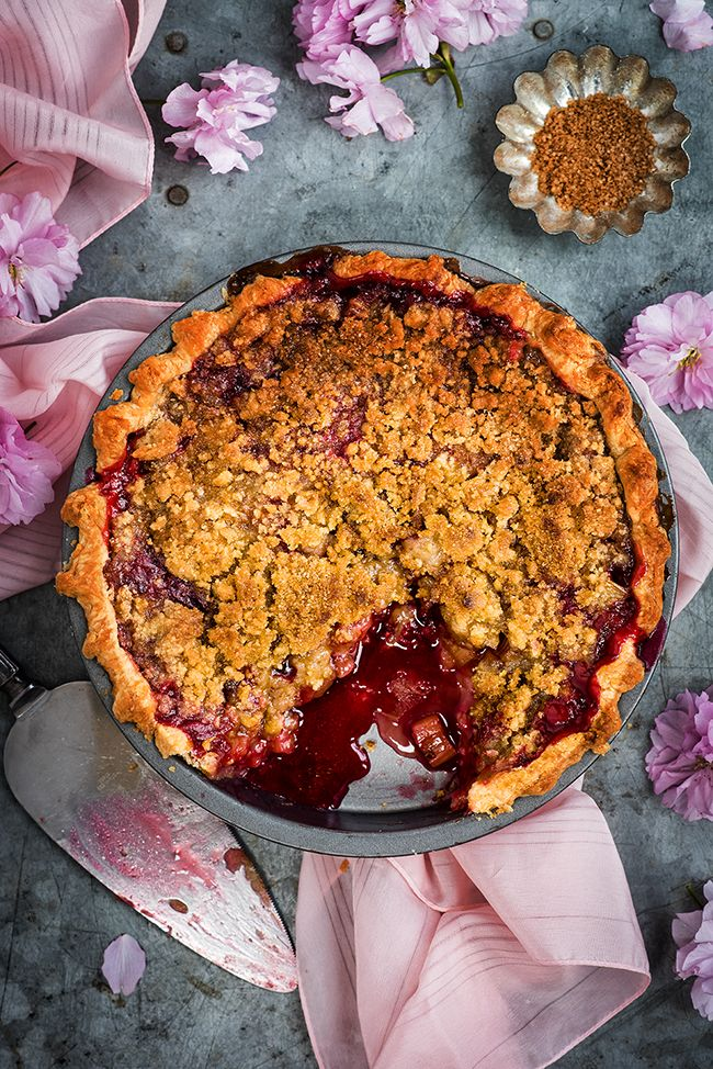 Rhubarb pie or rhubarb crumble? Why not both! Rhubarb and raspberry crumble pie is the best of both worlds  | Supergolden Bakes
