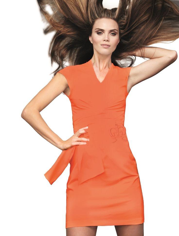 Koningsdag oranje haute couture jurk van Monique Colingon, nu de laatste stuks op voorraad voor extreem lage prijs. Laatste kans dat je hem nieuw koopt