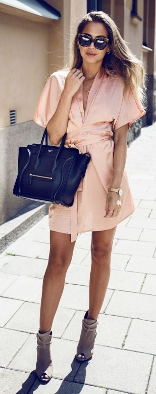 Why not trying this gorgeous tie-front peach dress for summer? Via Kenza Zouiten   Dress: Make Way For Bubbleroom, Shoes: Topshop