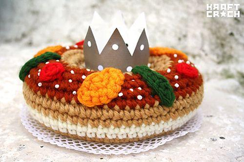 patron gratuito amigurumi roscon de reyes en español / christmas amigurumi free pattern in spanish