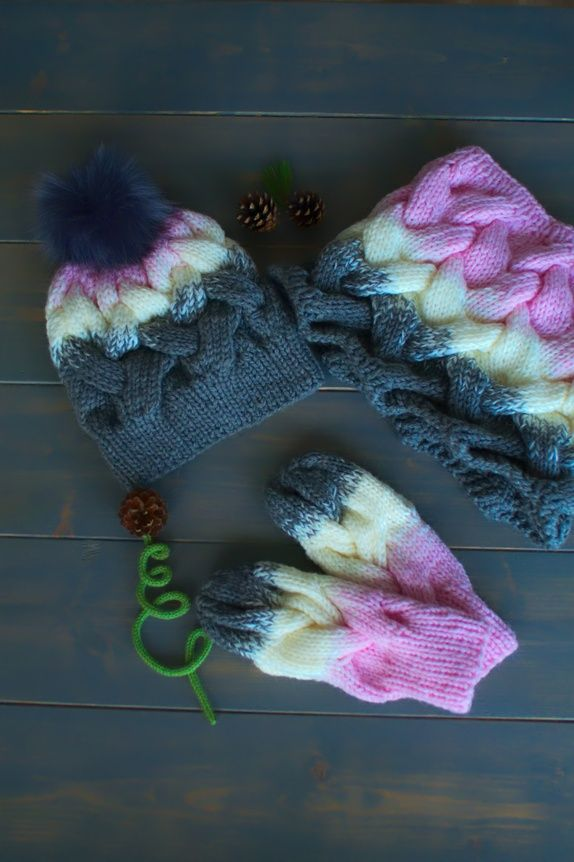 INES set pattern is written in english, norwegian and polish language www.pineyarn@gmail.com
