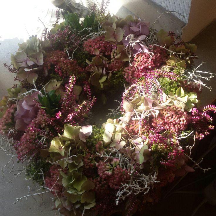 Herbstlicher Kranz, alles was der Garten hergibt