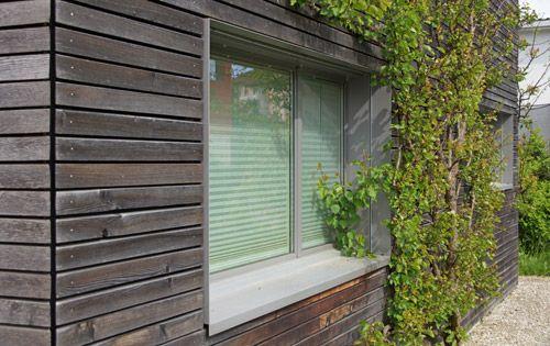 Outdoor Esstisch Holz ~ Auch Sträucher sind mittlerweile gewachsen und rahmen das Holzhaus ein  Fas