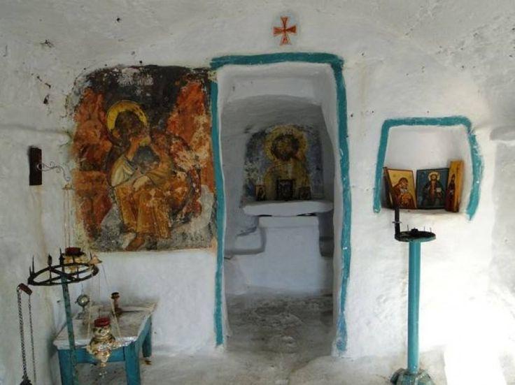 Πάσχα στην Αμοργό…. η Πασχαλιά στο απέραντο γαλάζιο- 5 ημέρες http://www.myantaeus.com/amorgos-easter/