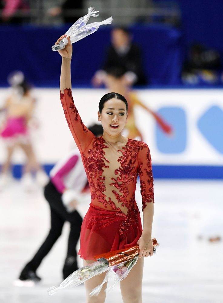 Mao Asada acknowledges the crowd after performing her free program in the women's figure skating event at the national championships in Kadoma, Osaka Prefecture, on Dec. 25, 2016. The Vancouver Olympic women's silver medalist and three-time world champion finished 12th. (Kyodo) (2044×2774)