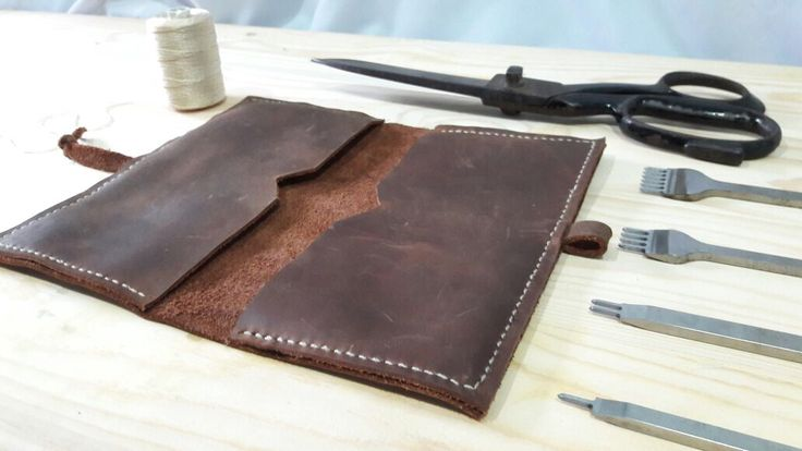 The vintage leather handmade phone wallet