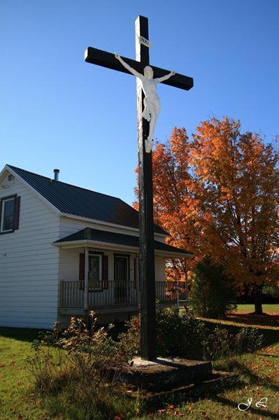 Croix de chemin du Christ-Roi (calvaire) - Rang 2, St-Camille-de-Lellis, MRC Les Etchemins, QC, Canada