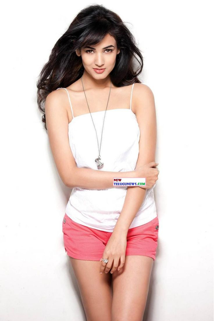 Hot and Unseen Sonal Chauhan Pictures