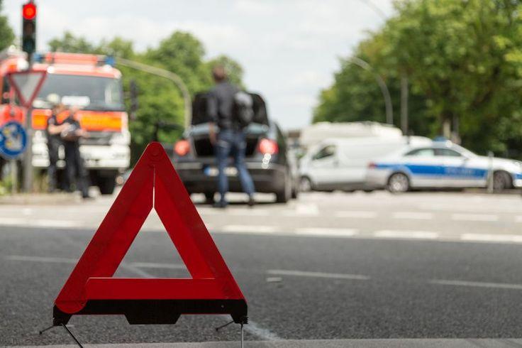 Brennerautobahn-A13: Absicherungsgespann der ASFINAG von LKW gestreift - 1 Verletzter