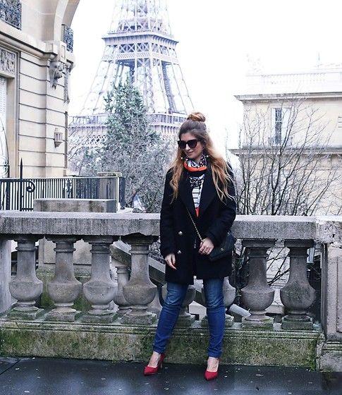 Get this look: http://lb.nu/look/8635497  More looks by A TRENDY LIFE: http://lb.nu/atrendylife  Items in this look:  Zara Abrigo, Pimkie Jersey, Southern Cotton Jeans, Chanel Bolso, Uterqüe Gafas De Sol, Bimba Y Lola Pañuelo, La Redoute Zapatos   #bohemian #chic #elegant #casual #trendy #camisetarayas #paris #denim #jeans