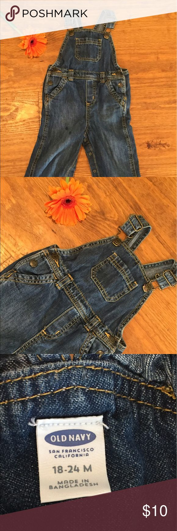 Old Navy Denim Overalls Size 18-24 Months Sweet and classic Old Navy Overalls. EUC Size 18-24 months. Old Navy Bottoms Jeans
