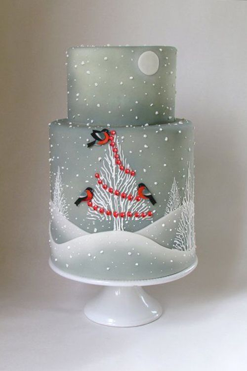 Brides: Winter-Themed Wedding Cakes