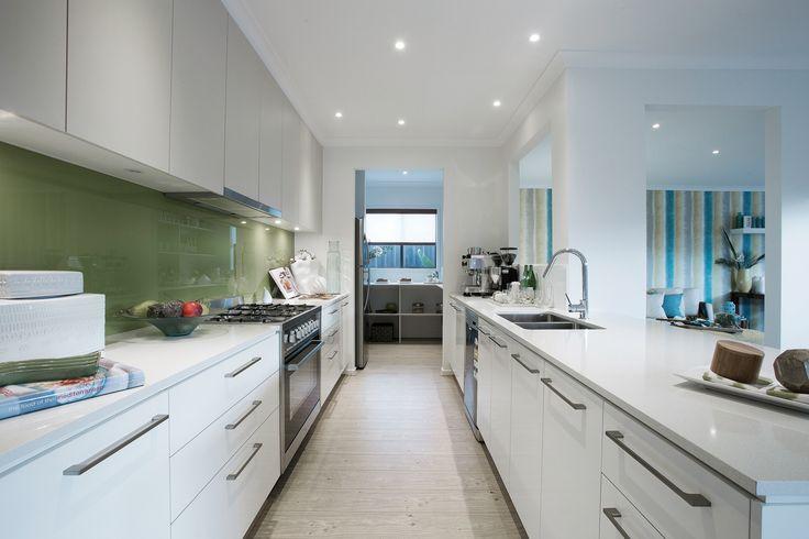 London 22 with Whitsundays World of Style (Resort Category)