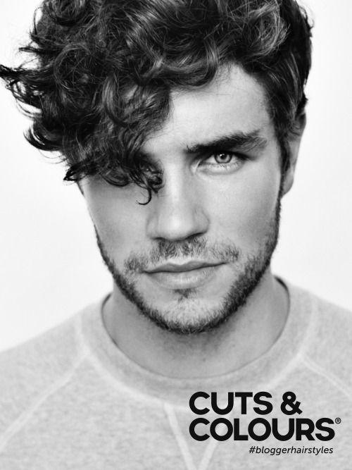 Curly Menshair | Thick hair | Praktische herenkapsel voor mannen met dik haar | Nonchalante valling door kuif naar voren