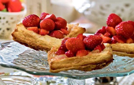Рецепты пирожков с клубникой, из дрожжевого и других видов теста,